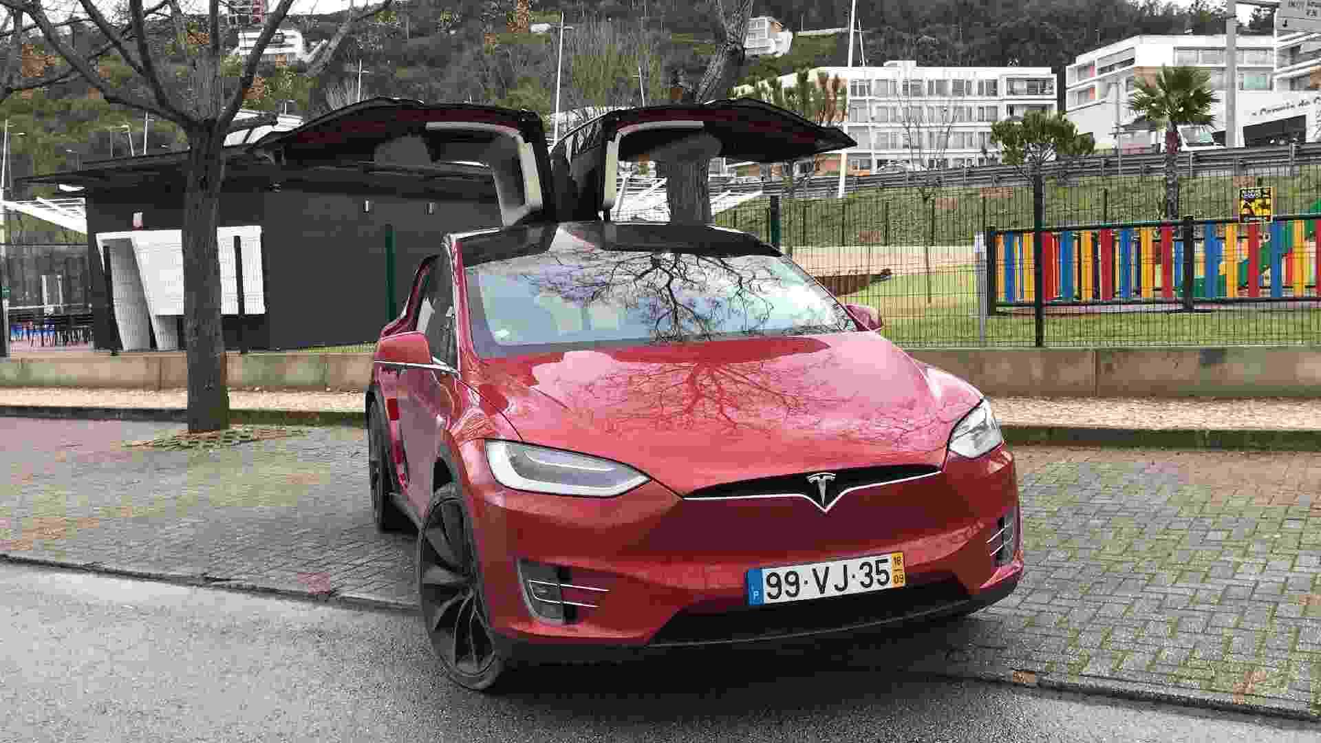 Tesla Model X portas Portugal - Ricardo Ribeiro/UOL