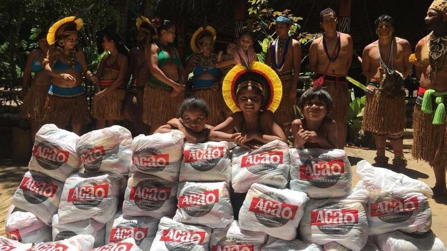 Campanha Natal Sem Fome da ONG Ação da Cidadania entrega alimentos para uma tribo Pataxó, da Reserva da Jaqueira, em Porto Seguro (BA) - Reprodução/Instagram