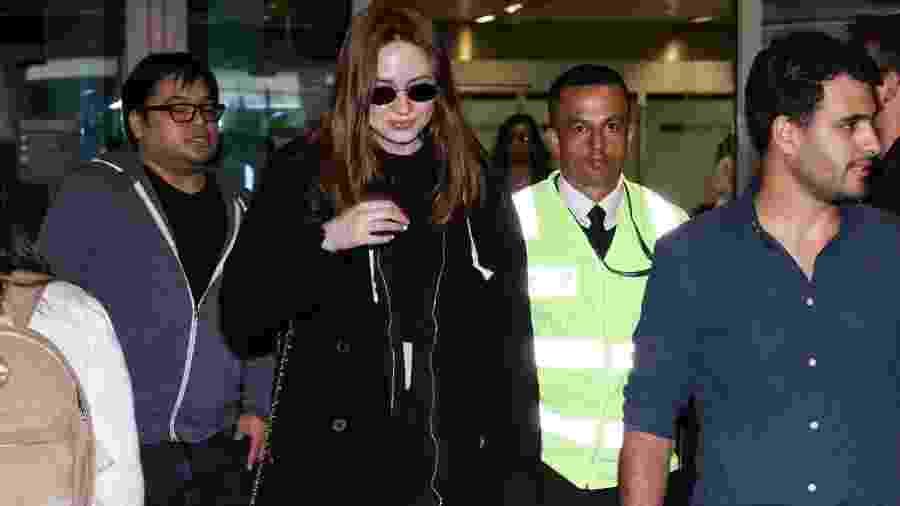 Karen Gillan desembarca no aeroporto internacional de Guarulhos, em São Paulo - Lucas Ramos / AgNews