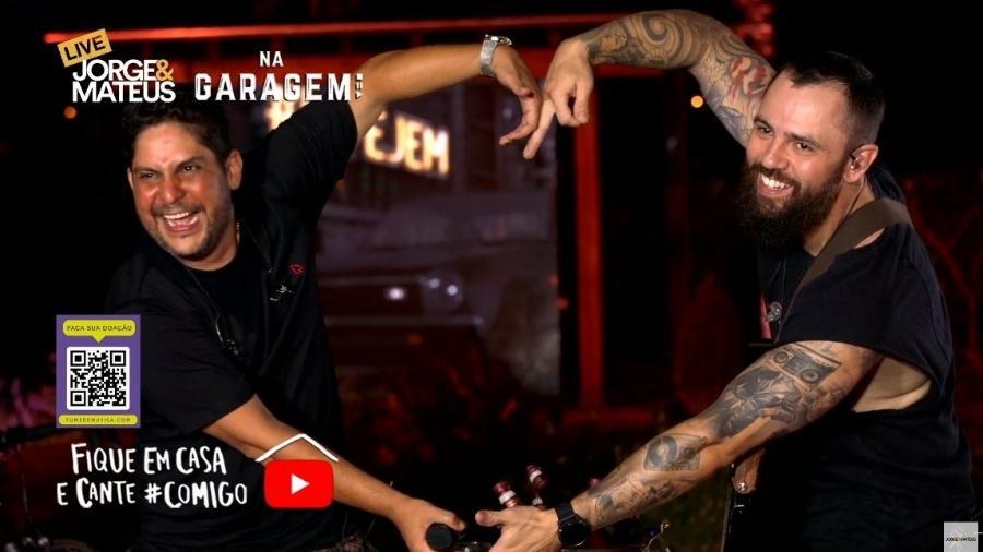 Live de Jorge e Mateus tocou corações de brasileiros na noite de sábado (4) - Reprodução/Twitter