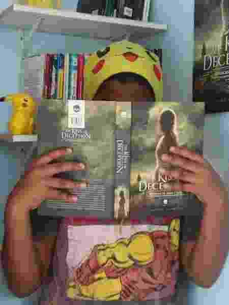 Adriel Bispo, de 12 anos, resenha livros na internet  - Reprodução/Instagram @livrosdodrii