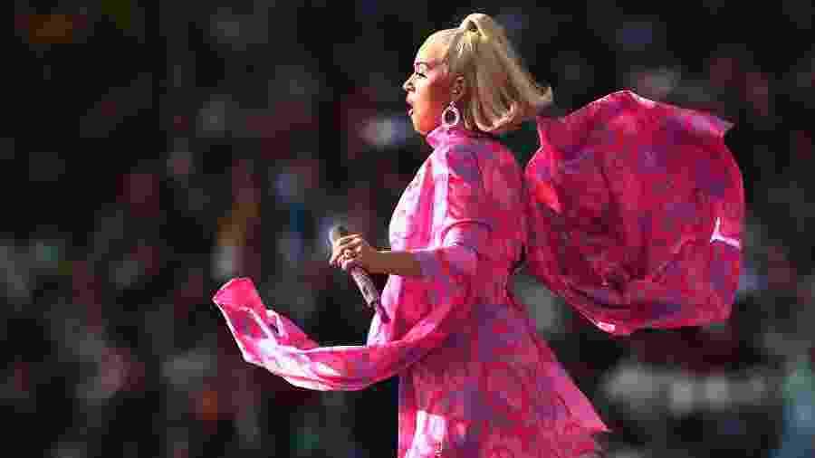 Katy Perry aposta em look pink durante show na Austrália, em março - Cameron Spencer/Getty Images