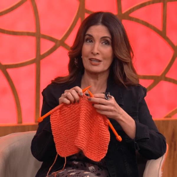 Fátima Bernardes tricota no 'Encontro'