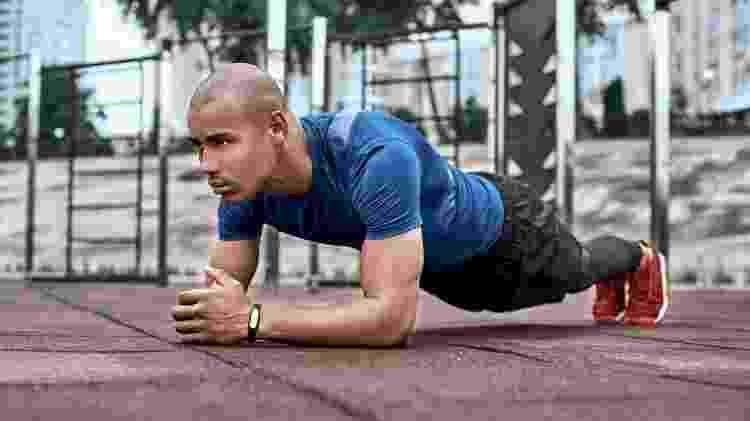 prancha, treino funcional, exercício, atividade física - iStock - iStock