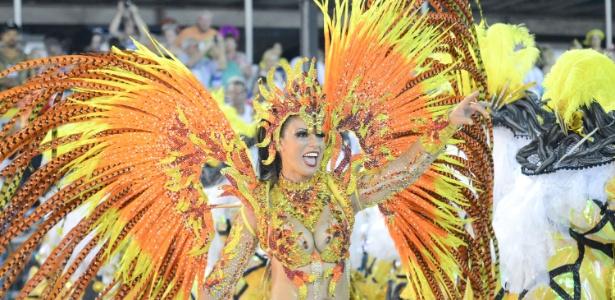 Desfile da escola de samba Paraíso do Tuiuti no Grupo de Acesso do Rio