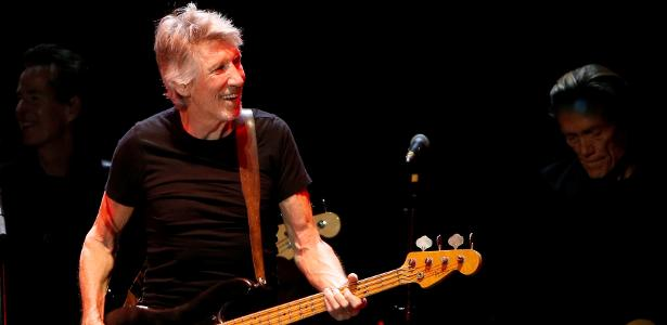 9.out.2016 - Roger Waters se apresenta à plateia do Desert Trip no show que abriu a noite de domingo
