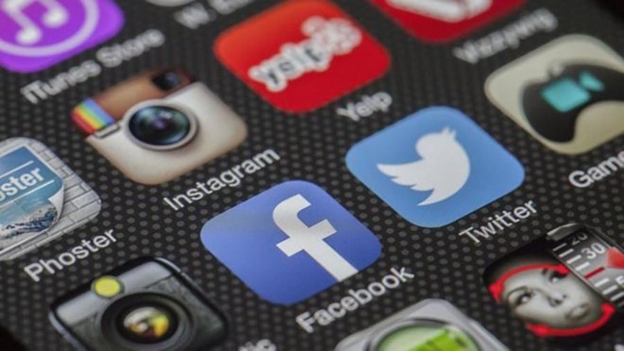 Pensar que redes sociais criam oportunidades de socialização é uma ilusão, diz pesquisador - Wikicommons/Zash236