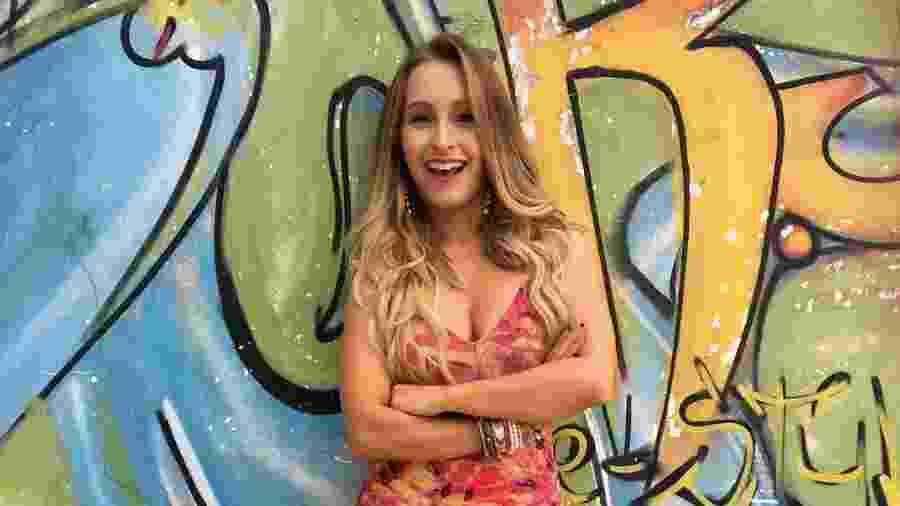 """Carla Diaz interpreta a """"novinha"""" Carine em """"A Força do Querer"""" - Reprodução/Instagram"""
