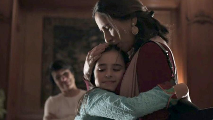 """Elizabeth (Gloria Pires) se despede da filha em """"O Outro Lado do Paraíso"""" - Reprodução/GShow"""
