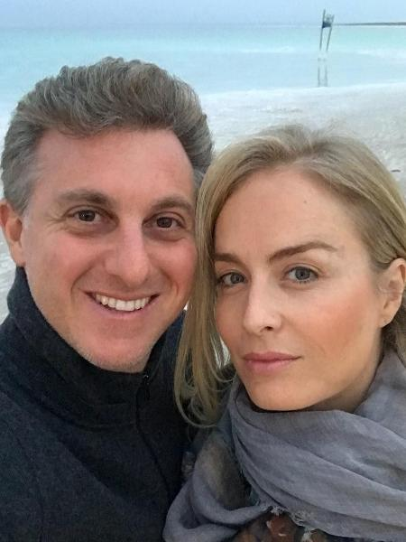Angélica com o marido, o apresentador Luciano Huck - Reprodução/Instagram