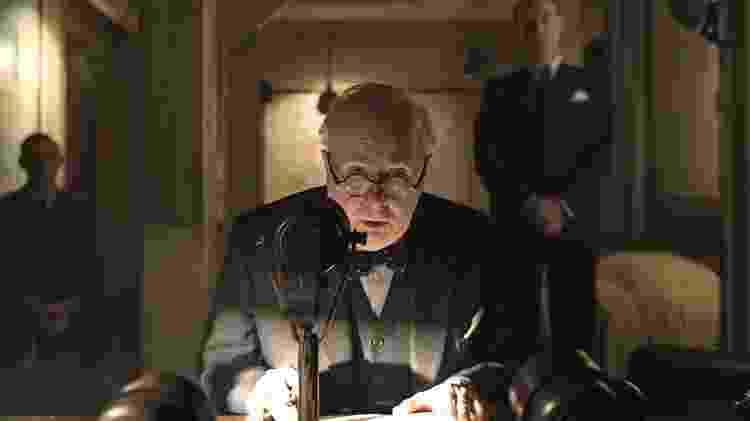 """Gary Oldman em cena de """"O Destino de Uma Nação"""" - Reprodução - Reprodução"""
