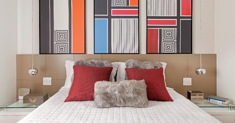 A ideia da designer de interiores Adriana Fontana era transmitir tranquilidade utilizando fundos neutros e pequenos toques de cor