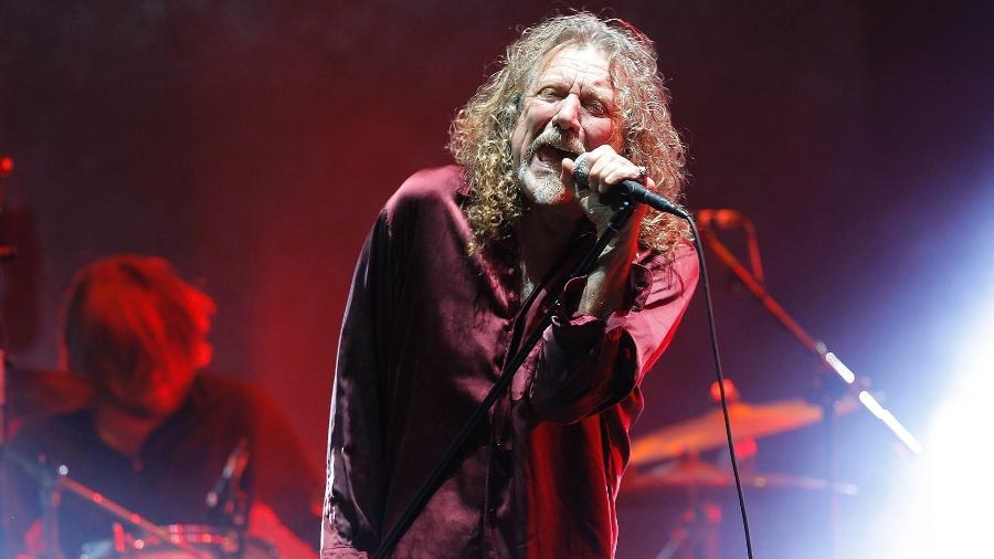28.mar.2015 - O ex-Led Zeppelin Robert Plant se apresenta no primeiro dia do Lollapalooza 2015 - Reinaldo Canato/ UOL