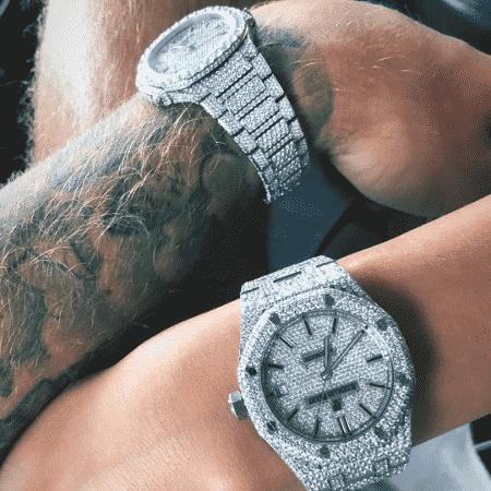 Relógios do casal - Reprodução/Instagram/@justinbieber