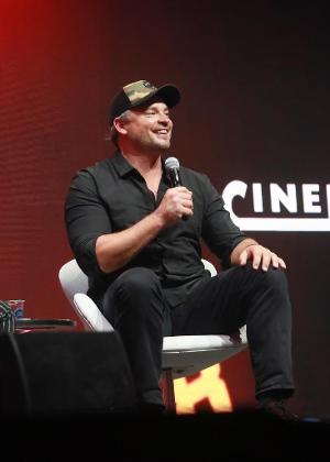 "O ator Tom Welling participa de painel sobre ""Smalville"" na CCXP 2018"