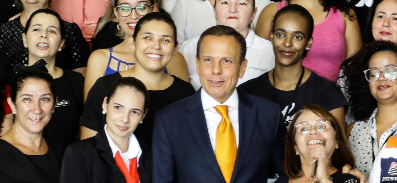 Governador do estado de São Paulo, João Doria prestou homenagem as mulheres que desempenham varias funções no Palácio dos Bandeirantes - ALOISIO MAURICIO/FOTOARENA/FOTOARENA/ESTADÃO CONTEÚDO