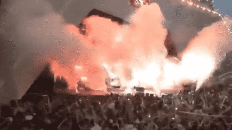 Fumaça cobre palco durante show de Gusttavo Lima - Reprodução/Twitter
