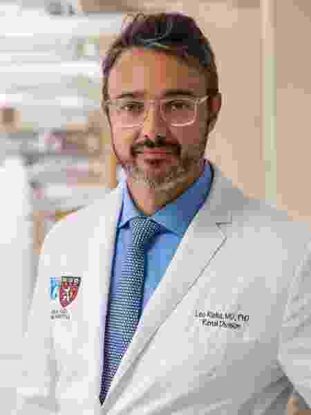 O médico é professor-assistente em Harvard e diretor-assistente de transplante de rins no Brigham and Women's Hospital - Divulgação
