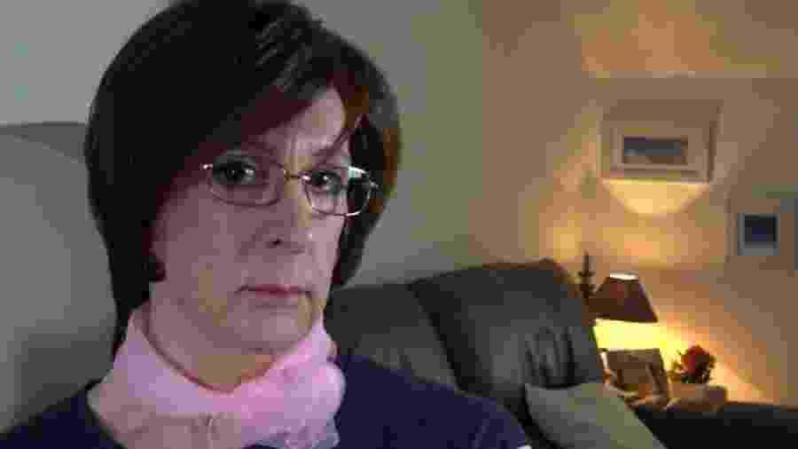 Debbie agora está sendo tratada em uma das clínicas de identidade de gênero do serviço público de saúde britânico - BBC