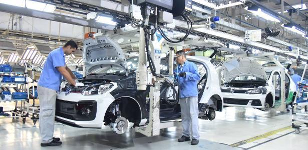 Emprego | Trabalhadores da Volks no ABC aprovam demissões
