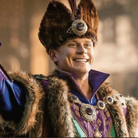 O ator Billy Magnussen em cena de Aladdin - Reprodução