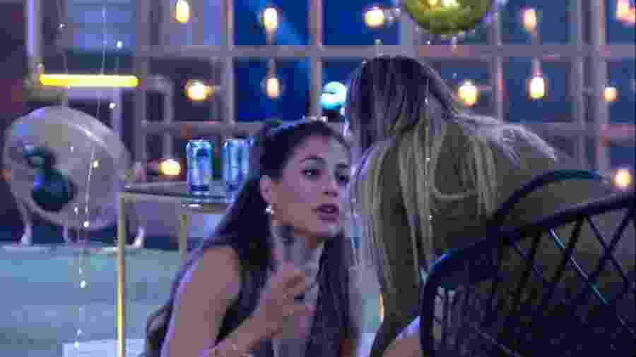 BBB 20 - Mari conversa com Gabi em festa - Reprodução/Globoplay