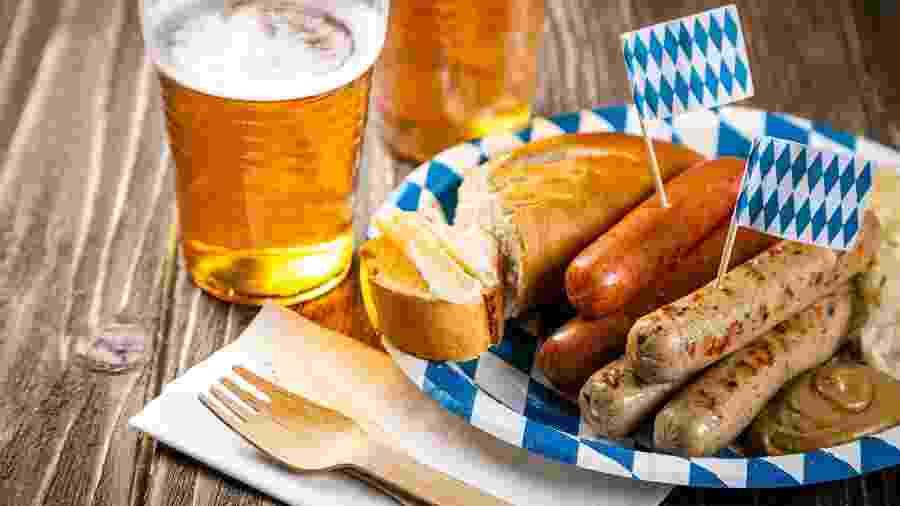 Tradição da culinária alemã, as salsichas podem ser feitas cozidas, grelhadas e até mesmo fritas - Getty Images