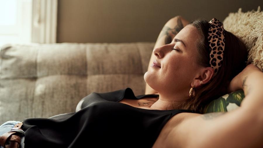 Sala, quartos, banheiros: tudo pode ter energia renovada com cheiros específicos - PeopleImages/Getty Images