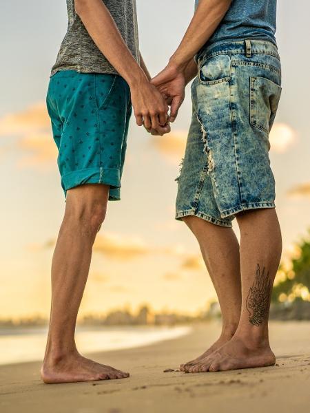 É possível um homem ser heterossexual e ter atração sexual por outros caras? - iStock