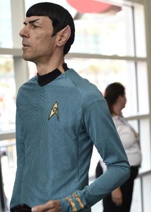 "9.jul.2015 - Homem vai vestido como Sr. Spock, de ""Star Trek"" na San Diego Comic-Con, na Califórnia"