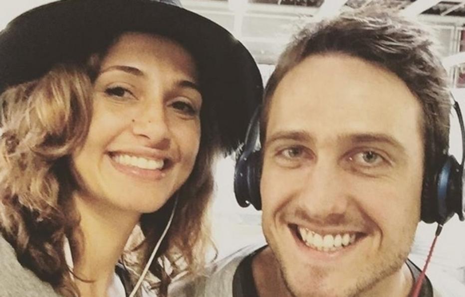 7.out.2015 - Igor Angelkort e Camila Pitanga posam juntos durante viagem de férias a Berlim