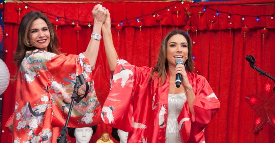 Luciana Gimenez comemora aniversário com Patrícia Abravanel em seu talk show na RedeTV!