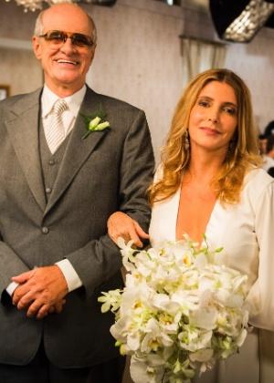 """Casamento de Feliciano (Marcos Caruso) e Claudine (Maria Padilha) em """"A Regra do Jogo"""" - João Miguel Júnior/TV Globo"""