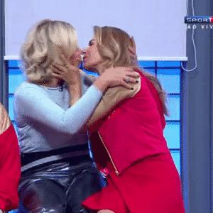 10.ago.2016 - Maitê Proença e Astrid Fontenelle - Reprodução/SporTV4
