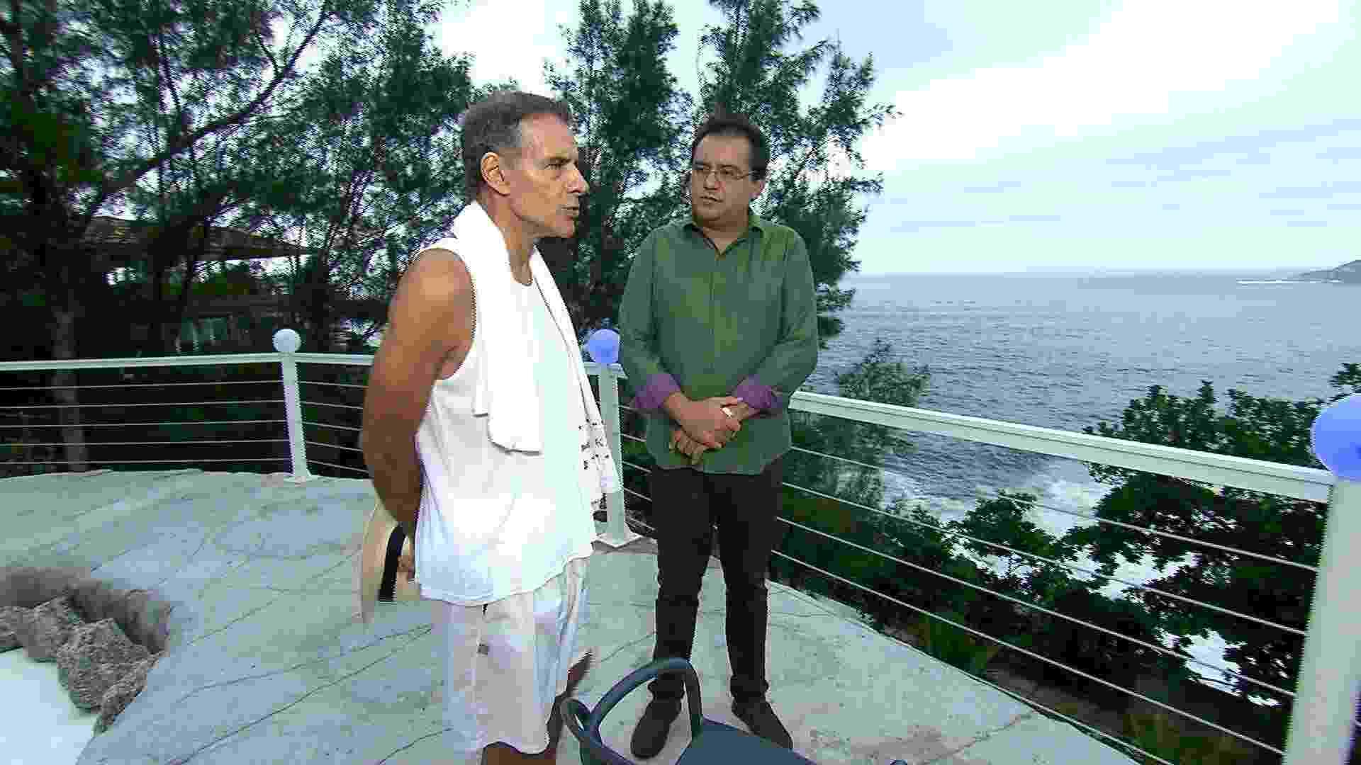 """Mário Gomes recebe o apresentador Geraldo Luís em sua casa; entrevista vai ao ar no no """"Domingo Show"""" - Divulgação/RecordTV"""