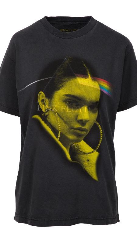 A linha de camisetas de Kendal e Kyllie Jenner causou polêmica - Divulgação