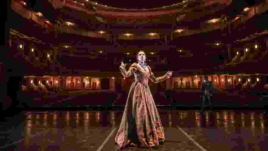 A cantata ?Carmina Burana?, apresentada em maio no Theatro, volta à programação comemorativa - AFP PHOTO / YASUYOSHI CHIBA