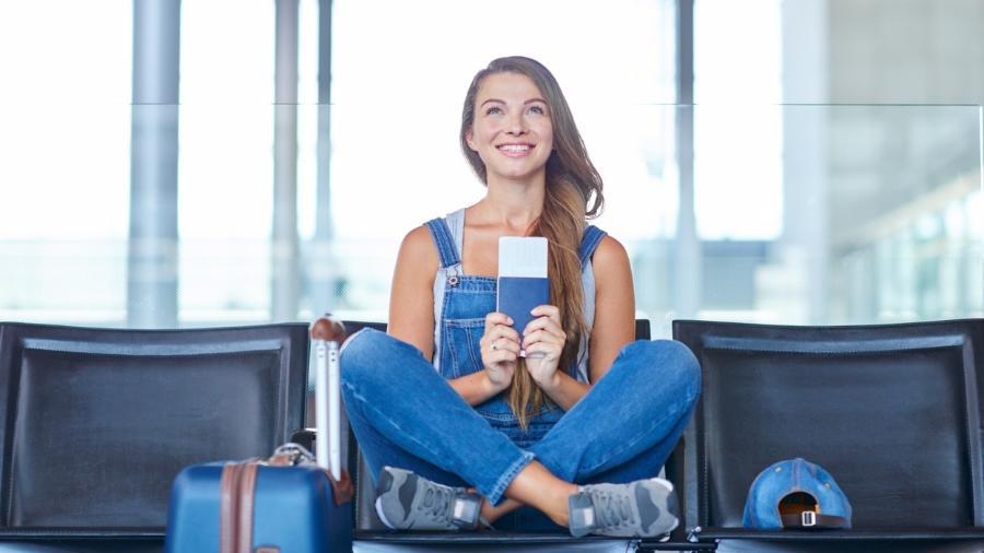 O melhor período para comprar a sua passagem também varia de acordo com a época da viagem - Getty Images