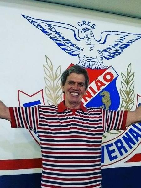 Djalma Falcão, de 65 anos, é componente da escola desde 1974 - Divulgação