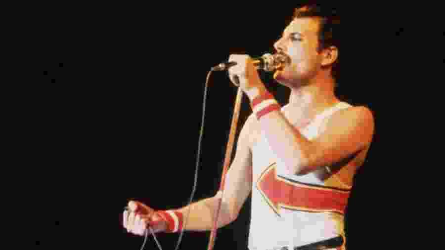 Freddie Mercury em show do Queen; músico faria 74 anos hoje - Getty Images