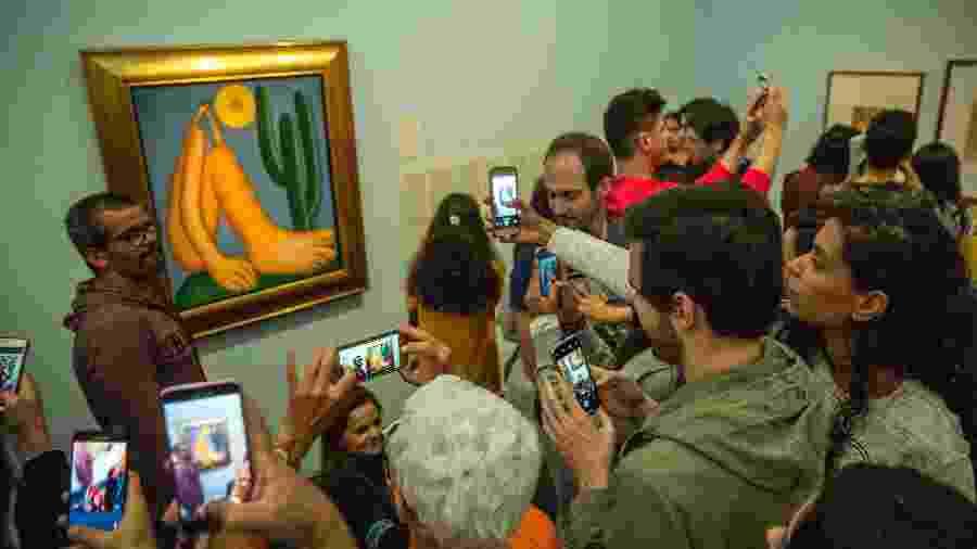 A exposição Tarsila do Amaral Popular ficou aberta até meia-noite do último domingo (28) - Jardiel Carvalho/Folhapress
