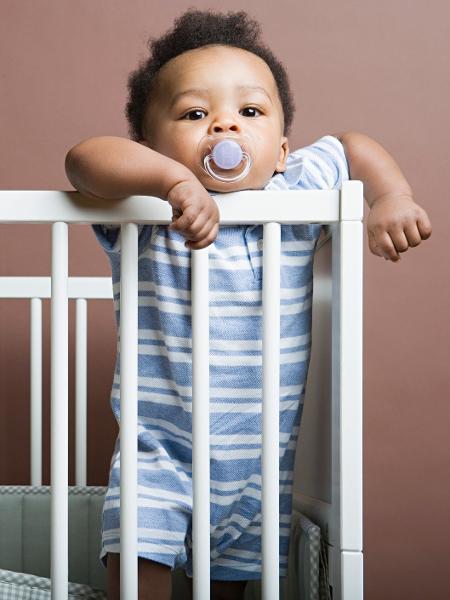 Cuidados com escolha de enfeites e até com a música que toca no cômodo podem deixar o bebê mais tranquilo - iStock
