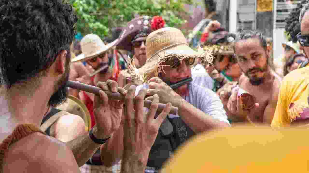 Pife Floyd leva multidão para as ruas de Olinda - Thiago Brandão/UOL