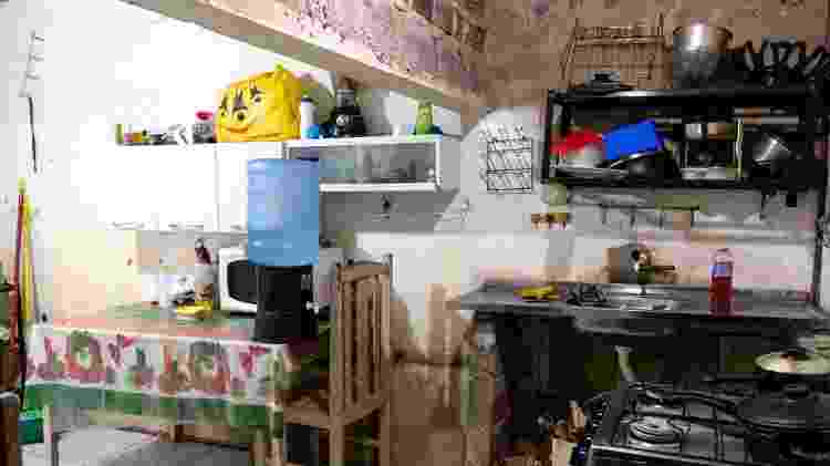 Cozinha antes de ser reformada pela Dona Obra, em Recife - Divulgação/Dona Obra - Divulgação/Dona Obra