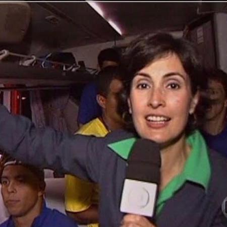 Fátima Bernardes no ônibus da seleção brasileira em 2002 - Reprodução/Instagram @fatimabernardes