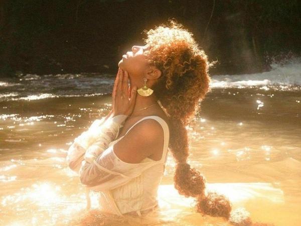 """Capa de """"Dilúvio"""", novo single de Karol Conká"""