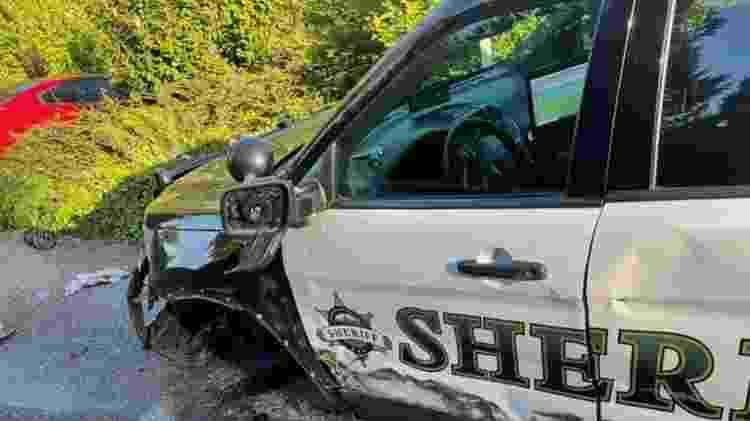 Tesla com Autopilot ligado acertou carro de polícia em cheio no Estado de Washington em maio passado - Reprodução - Reprodução