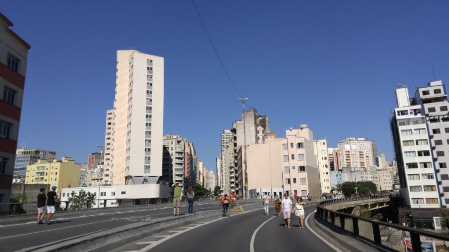 Elevado Costa e Silva (Minhocão) - Rafael Roncato/UOL/Foto tirada com o LG G4