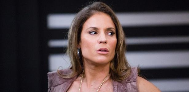 """Maíra Charken no papel da delegada Vera Morgado na novela """"Babilônia"""" (2015) - Tata Barreto/TV Globo"""