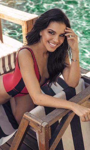 Mariana Rios - capa da Corpo a Corpo de agosto 2